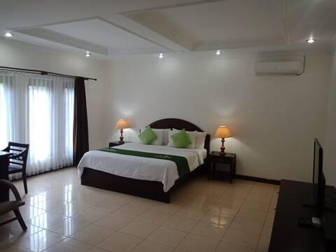2 bedroom apartment , 5 minutes to Seminyak Beach