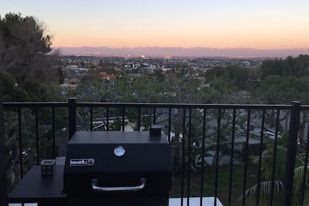 "Million Dollar View LA ""Treehouse"" - Lomita"