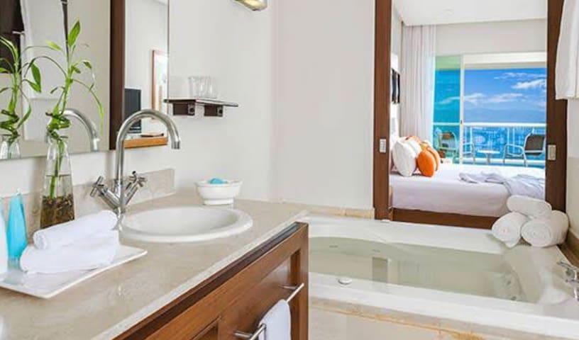 Suite with Jacuzzi at Grand Mayan Nuevo Vallarta
