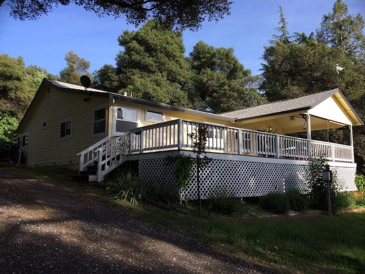 Gold Country Farmhouse in Sonora (Yosemite Area)
