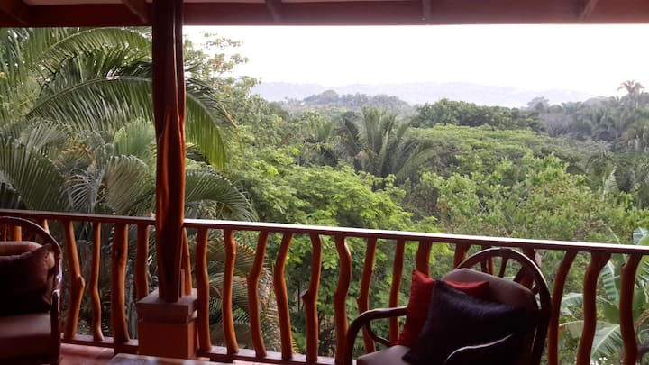 Private Paradise Pacific Shoreline