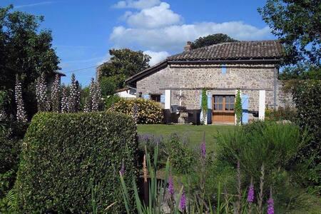 Domaine Charente - Cottage te huur met zwembad - Mazières - キャビン