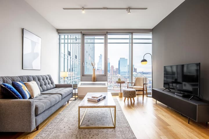 Roomy Midtown West 1BR w/ Gym, Pools, W/D, Doorman, by Blueground