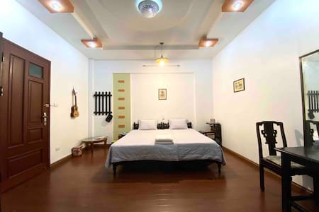 The Doctor's Homestay Private Room