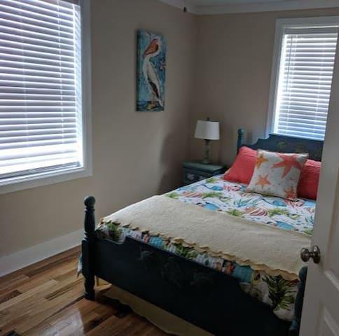 Queen size Sealy Posturepedic Memory Foam mattress, TV