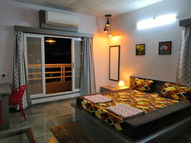 Shrivardhan Homestay Penthouse 302