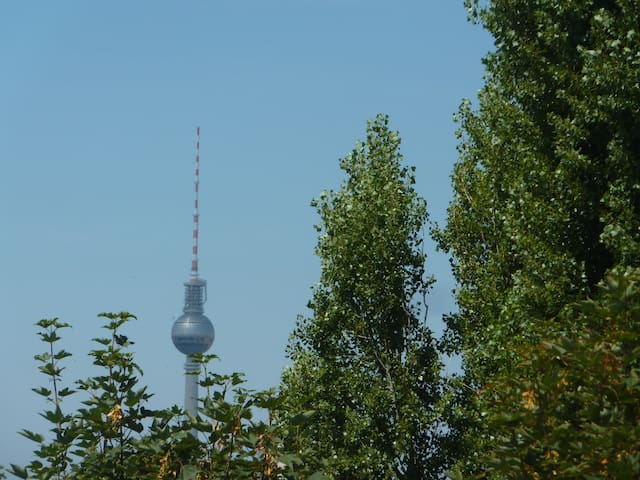 Sunny apartment in Berlin Friedrichshain!