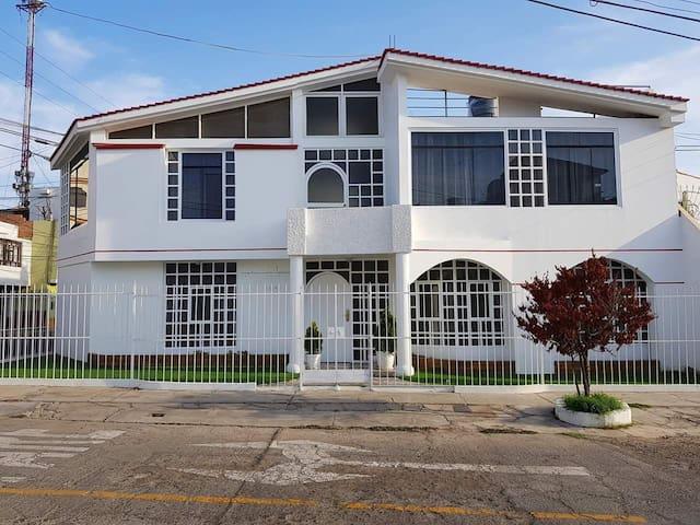 Casa entera en el Centro de Tacna.