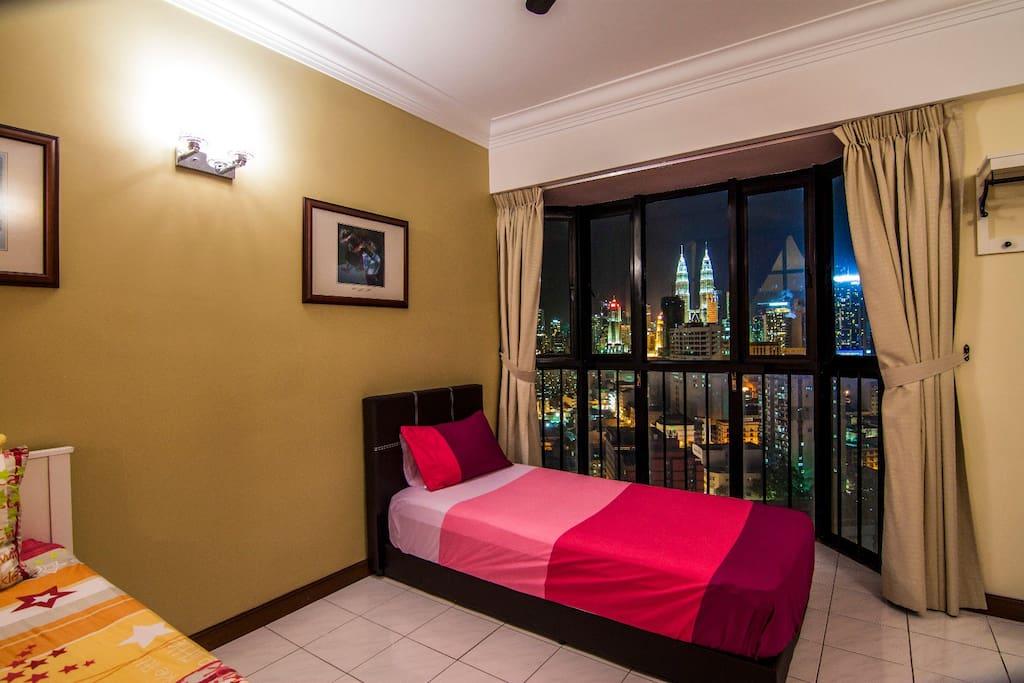 Bedroom 3 / 睡房3号