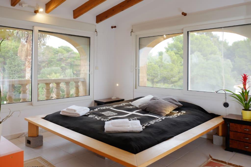 Open Sky Villa, Healthy Holiday Lets