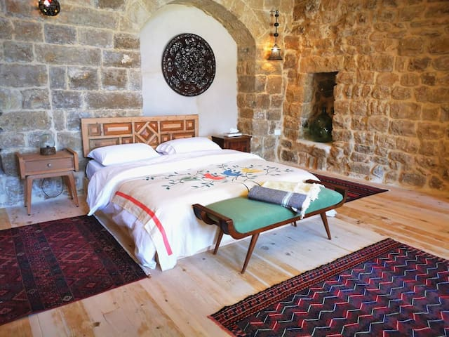 Upper Suite - BEYt El Jabal