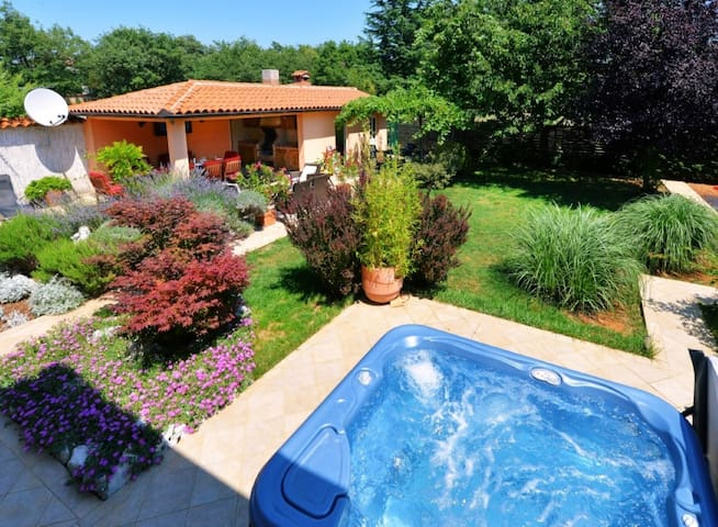 Villa Steffani- for up to 10 people