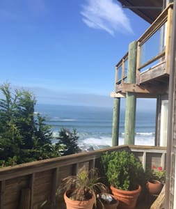 Pemberley by the Sea cliffside, seaside, hot tub!! - Dillon Beach
