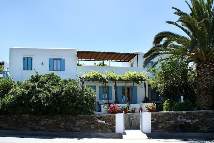 Sifnos for two or three days vacations!
