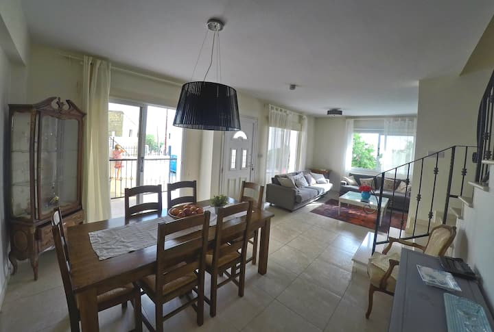 Cozy 3 bedroom townhouse with sea view in Tsada
