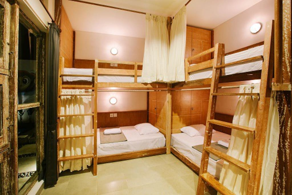 DORM - Female - 4 Beds / Pool View