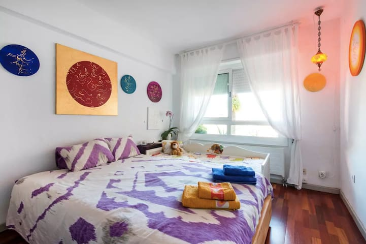Double room-private bathroom by the beach - El Masnou - Apartment