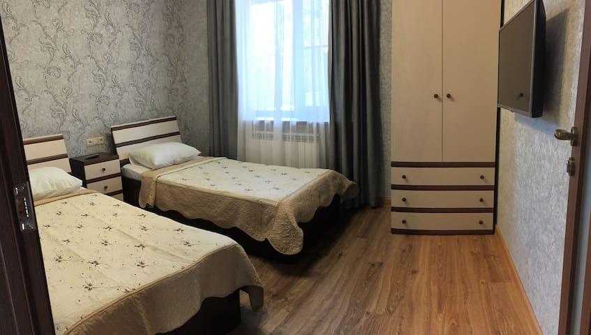 Спальня(две односпальные кровати)