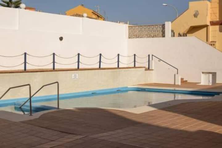 Bonita casa para 6 personas, con piscina. (TIR)