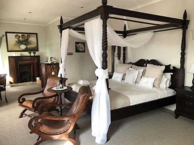 Honeymoon Suite photo 0
