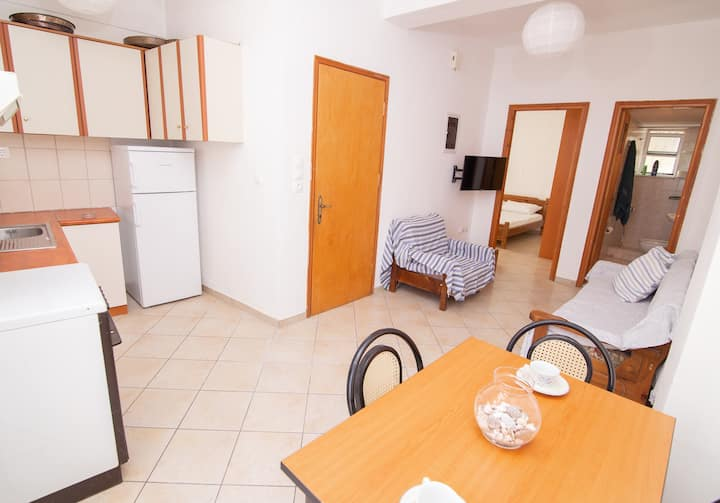 Peroulia 1st floor apartment