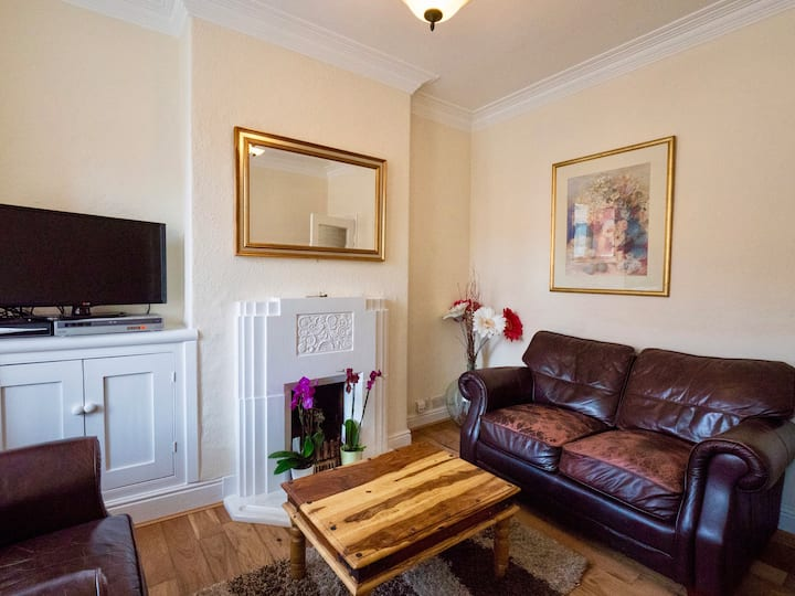 SPACIOUS - FAMILY FRIENDLY HOME IN LEICESTER.