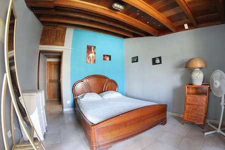 Chambre indépendante dans villa - La Possession
