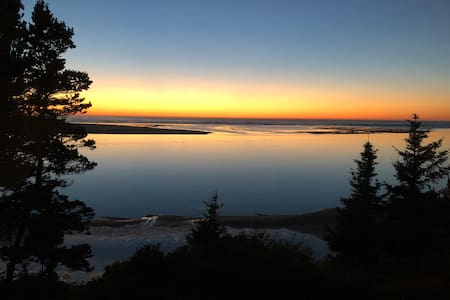 Waterfront Netarts Bay, Oregon- The Pearl Cabin