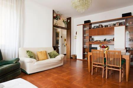 Appartamento in villa vicino Milano - Cambiago - Huoneisto