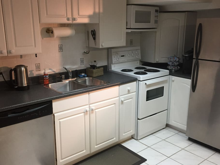 Dishwasher, stove, microwave, fridge