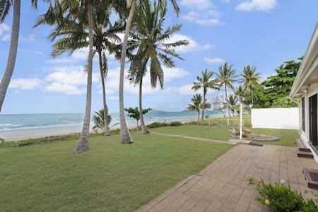 Windward House - Saunders Beach, Townsville