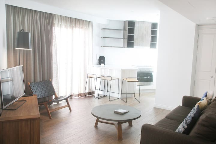1 Bedroom Apartment with Balcony