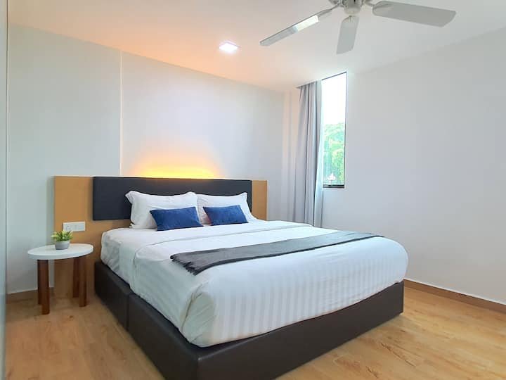 Malacca   Melaka Raya King Suite [2 Pax]