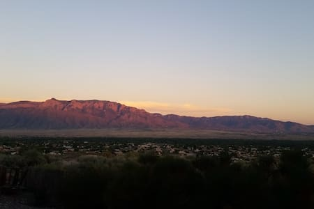 Room and a view - Rio Rancho