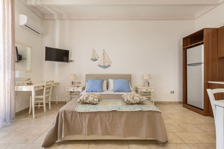1655 Mediterranea Residence - Mono Small Flat