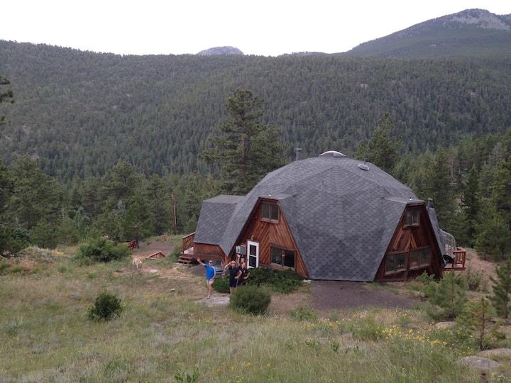 Beautiful Boulder Foothills Cabin