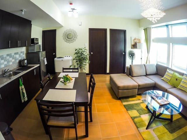 Great view - 2BR Unit San Lorenzo - Makati City