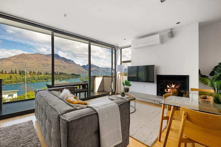Top Floor One-Bedroom Apartment in Queenstown