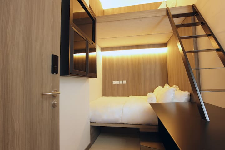 Private Triple Cabin,5 min walk to Chinatown MRT
