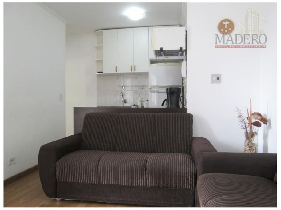 Sala com sofá 3 e 2 lugares