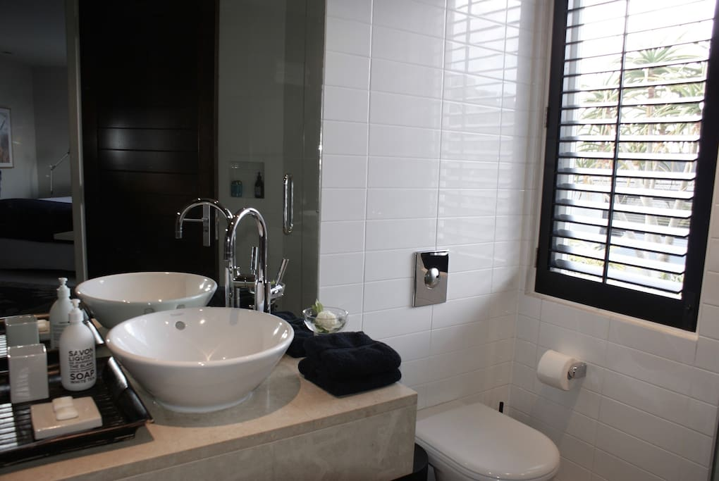 Ensuite with modern fittings