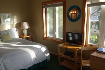 Harrison Street Inn - Studio Suite - Cannon Beach