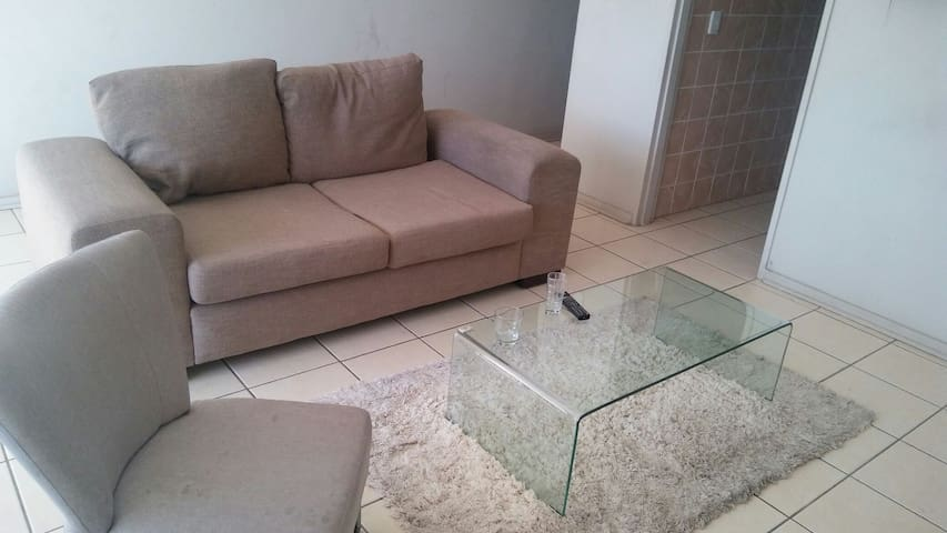 The stay over - Klerksdorp - Apartment