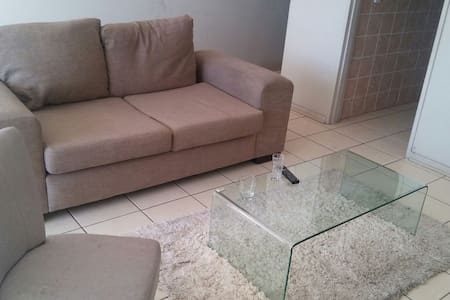 The stay over - Klerksdorp - Appartement