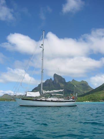 DADDELDU, Captain Eva's sailing yacht