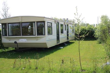 Sta caravan op gezellige kindvriendelijke camping. - Nieuwe-Tonge