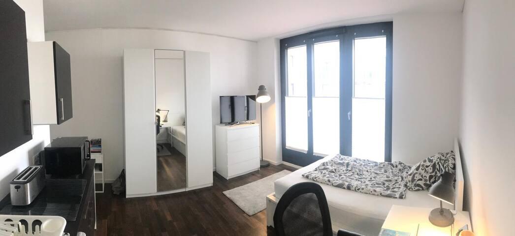 Studio apartment near Potsdamer Platz
