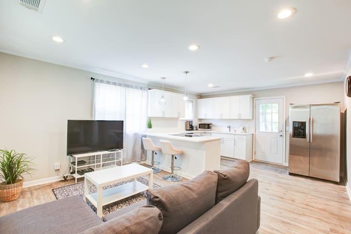 Luxury Open Concept 2 bed 2 bth NODA Villa Heights