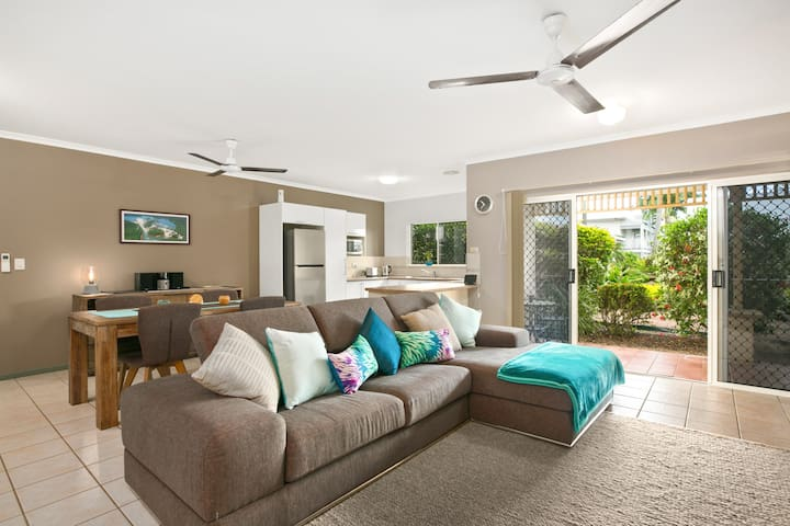 Luxury Palm Cove Villa - Free Wifi - Palm Cove - Villa