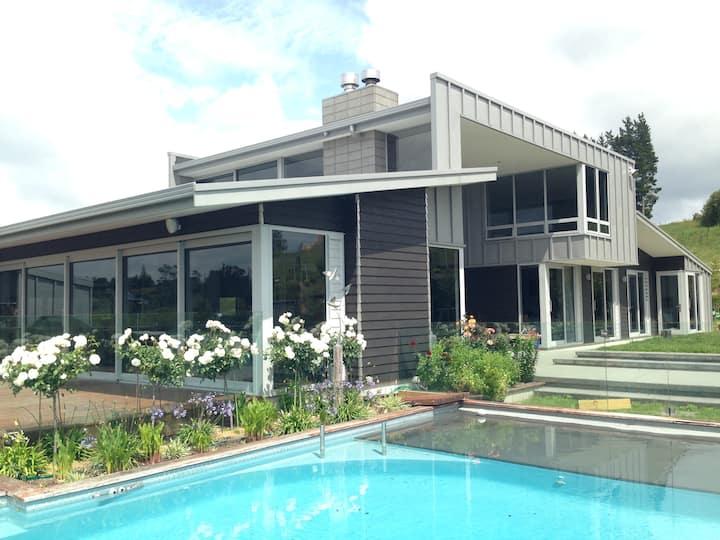 Executive Home-Pool, Spa & big Views-near Tauranga